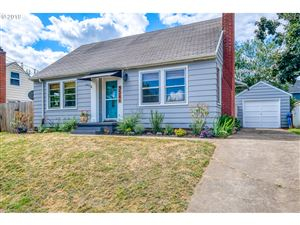 Photo of 3546 SE LONG ST, Portland, OR 97202 (MLS # 19013145)