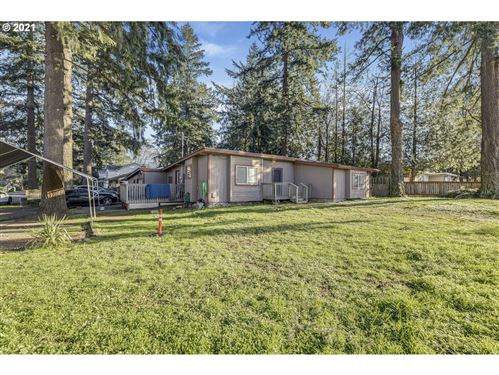 Photo of 5808 SE 136TH AVE, Portland, OR 97236 (MLS # 21424148)