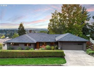 Photo of 6209 SW TOWER WAY, Portland, OR 97221 (MLS # 19550152)