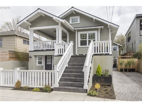 Photo of 2416 SE 34TH AVE, Portland, OR 97214 (MLS # 20038152)
