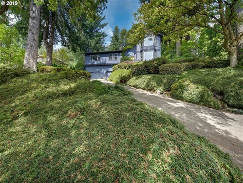 Photo of 30 BECKET ST, Lake Oswego, OR 97035 (MLS # 19366153)