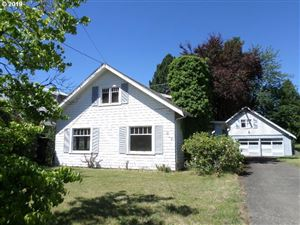 Photo of 817 SE 139TH AVE, Portland, OR 97233 (MLS # 19171156)
