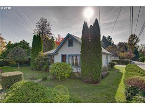 Photo of 1702 15TH ST, Oregon City, OR 97045 (MLS # 19383158)
