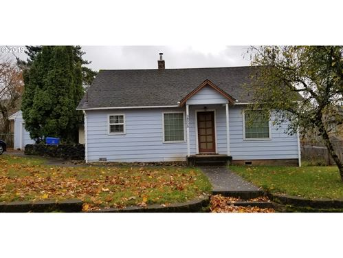 Photo of 38020 SANDY HEIGHTS ST, Sandy, OR 97055 (MLS # 19200160)