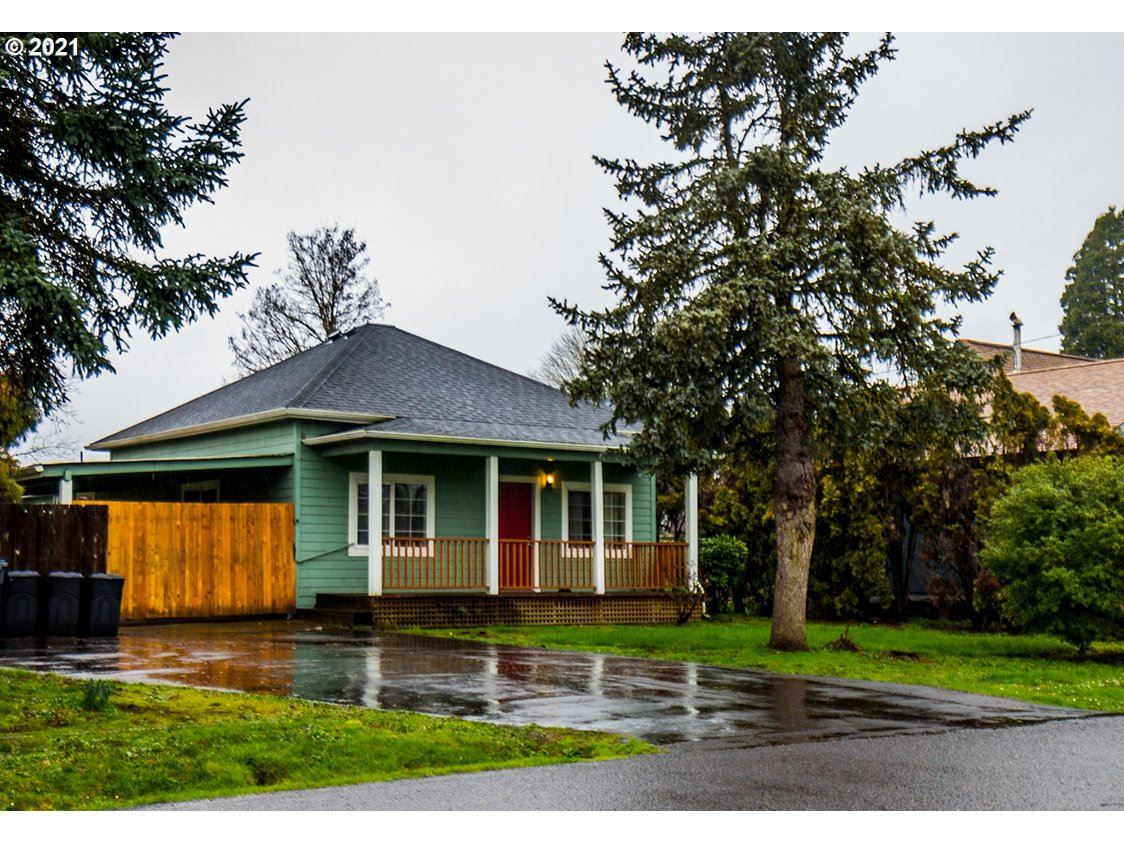 Photo for 55 S 5TH ST, Creswell, OR 97426 (MLS # 21393161)