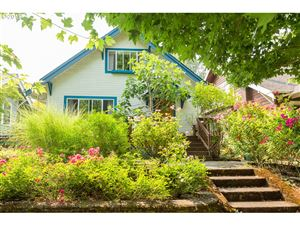 Photo of 3216 SE BROOKLYN ST, Portland, OR 97202 (MLS # 19384165)