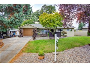 Photo of 1805 SE 113TH AVE, Portland, OR 97216 (MLS # 19260167)