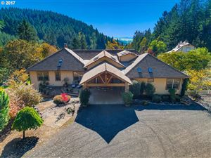 Photo of 32520 NE CORRAL CREEK RD, Newberg, OR 97132 (MLS # 18611168)