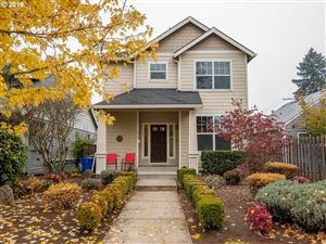 Photo of 5919 SE INSLEY ST, Portland, OR 97206 (MLS # 19311168)