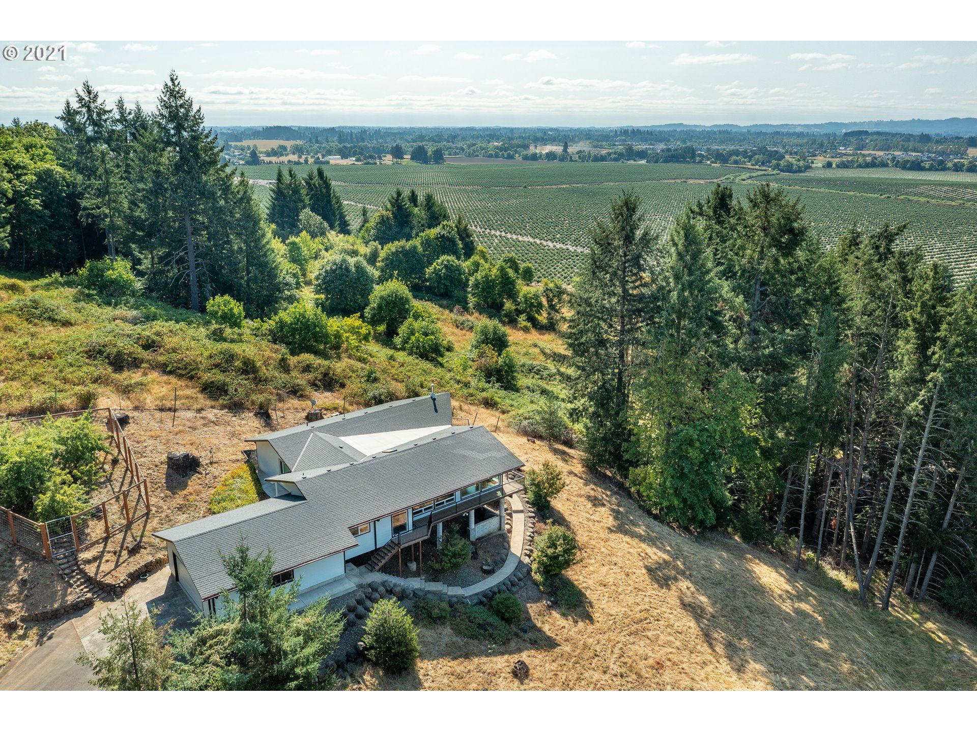 Photo of 13250 NW WILLIS RD, McMinnville, OR 97128 (MLS # 21581168)