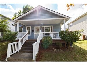 Photo of 8324 N HENDRICKS ST, Portland, OR 97203 (MLS # 19489170)