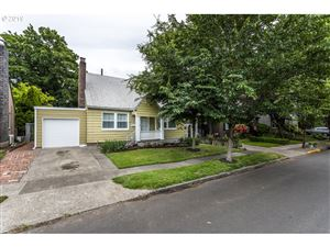 Photo of 6726 SE 22ND AVE, Portland, OR 97202 (MLS # 19331177)