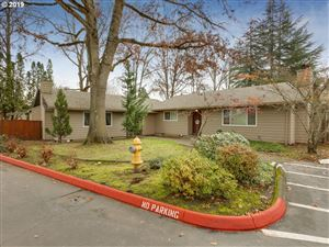Photo of 11271 SW SPRINGWOOD DR, Tigard, OR 97223 (MLS # 19360178)