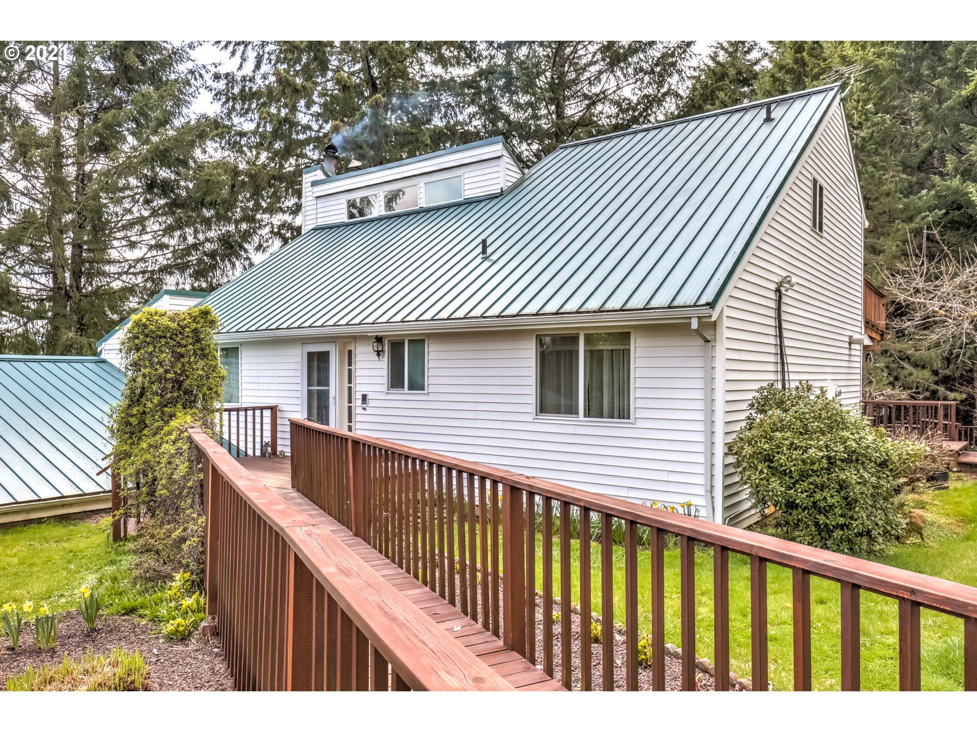 Photo of 9475 SW SUMMIT AVE, Gaston, OR 97119 (MLS # 21600178)