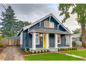 Photo of 8312 SE LIEBE ST, Portland, OR 97266 (MLS # 19217179)