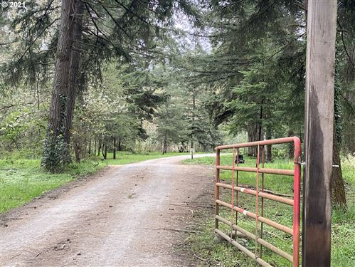 Photo of 15706 S HIGHWAY 211, Molalla, OR 97038 (MLS # 20632180)