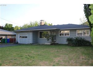 Photo of 711 SE 148TH AVE, Portland, OR 97233 (MLS # 19590184)