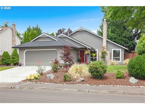 Photo of 5261 NE WINDROW ST, Hillsboro, OR 97124 (MLS # 20343184)