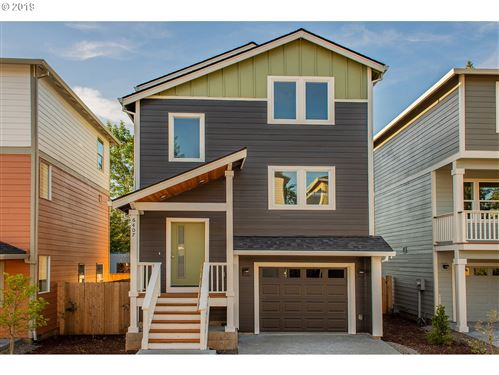 Photo of 6419 SE 134TH AVE, Portland, OR 97236 (MLS # 19696185)