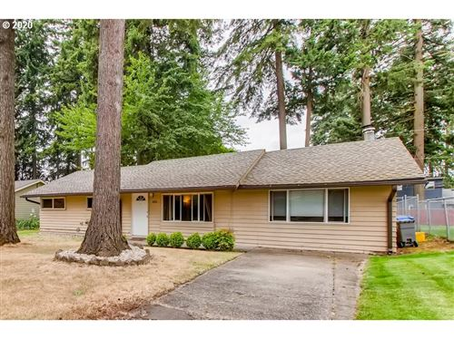 Photo of 651 SE 137TH AVE, Portland, OR 97233 (MLS # 20105186)