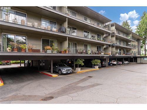 Photo of 200 BURNHAM RD #205, Lake Oswego, OR 97034 (MLS # 20596186)