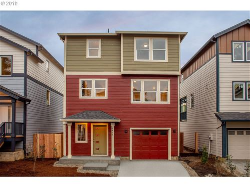 Photo of 6411 SE 134TH AVE, Portland, OR 97236 (MLS # 19235187)