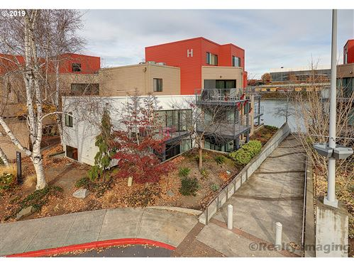 Photo of 840 NW NAITO PKWY #H-8, Portland, OR 97209 (MLS # 19251187)