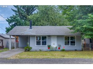Photo of 1344 SE 86TH AVE, Portland, OR 97216 (MLS # 19335187)