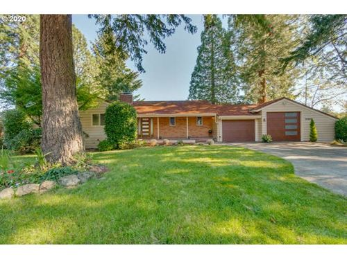 Photo of 10420 SW 42ND AVE, Portland, OR 97219 (MLS # 20662188)
