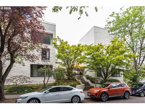 Photo of 1925 NW HOYT ST 105 #105, Portland, OR 97209 (MLS # 19138189)