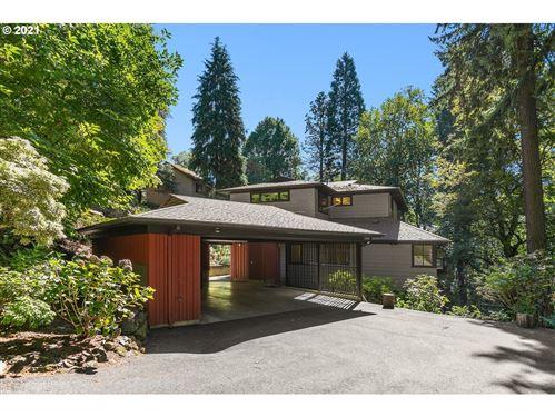 Photo of 3327 SW DOSCH RD, Portland, OR 97239 (MLS # 21141190)
