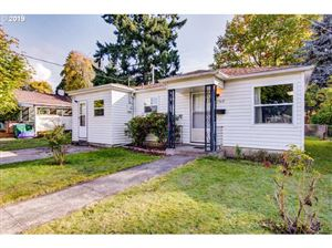 Photo of 11360 SE 34TH AVE, Milwaukie, OR 97222 (MLS # 19540192)