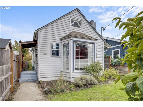 Photo of 7604 N CHATHAM AVE, Portland, OR 97217 (MLS # 21125192)