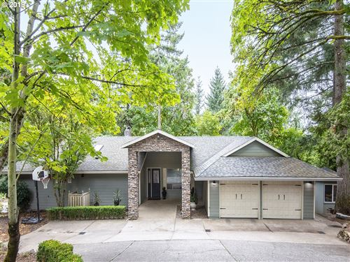 Photo of 17821 HILLSIDE WAY, Lake Oswego, OR 97034 (MLS # 19456193)