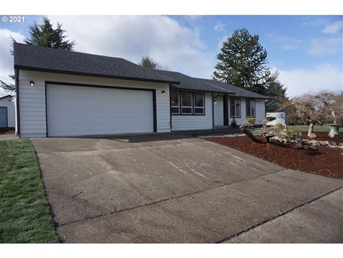 Photo of 1411 NW LAKEVIEW RD, Vancouver, WA 98665 (MLS # 21303196)