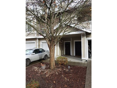 Photo of 7182 SW OLIVER TER #E, Aloha, OR 97078 (MLS # 19362198)