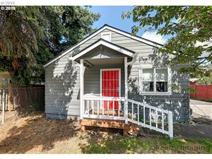 Photo of 15417 SE DIVISION ST, Portland, OR 97236 (MLS # 19499198)