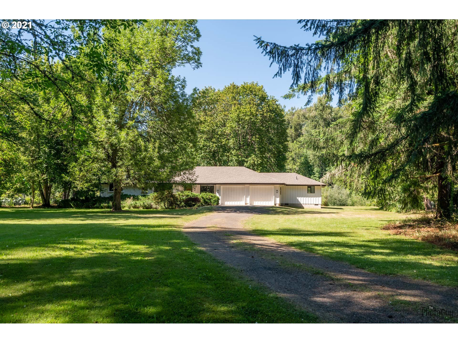 Photo for 37465 RIVERSIDE DR, Pleasant Hill, OR 97455 (MLS # 21375199)