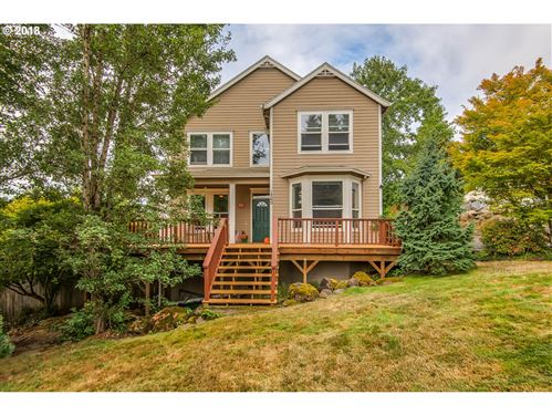 Photo of 1360 7TH ST, West Linn, OR 97068 (MLS # 18564201)