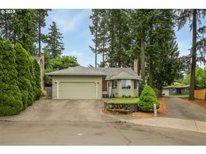 Photo of 11454 SW TWIN PARK PL, Tigard, OR 97223 (MLS # 19094202)