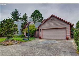 Photo of 8769 SW HAMLET ST, Tigard, OR 97224 (MLS # 19612202)