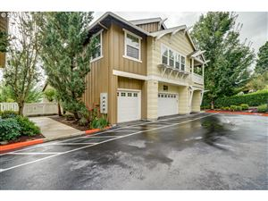 Photo of 2636 SW HUME CT, Portland, OR 97219 (MLS # 19118203)