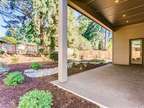 Tiny photo for 6463 Mission CT, Lake Oswego, OR 97035 (MLS # 20229203)