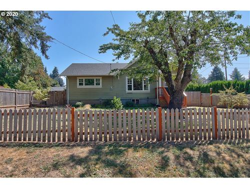 Photo of 922 NW Connell AVE, Hillsboro, OR 97124 (MLS # 20610203)