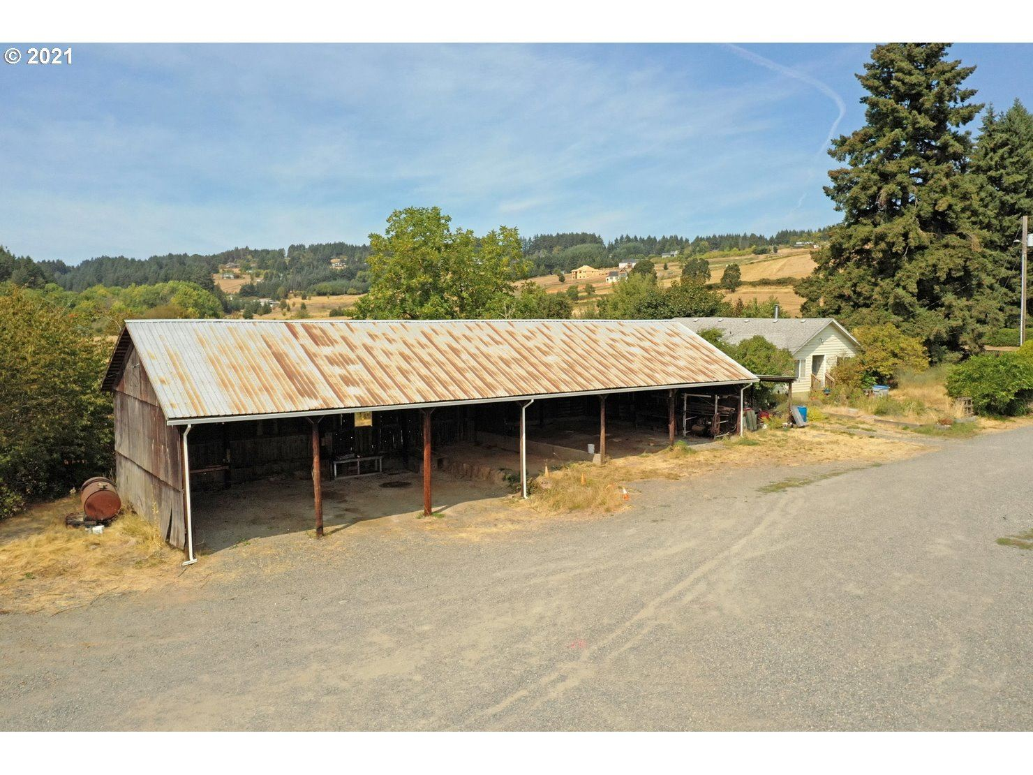 Photo of 39530 NW SUNSET HWY, Banks, OR 97106 (MLS # 21405203)