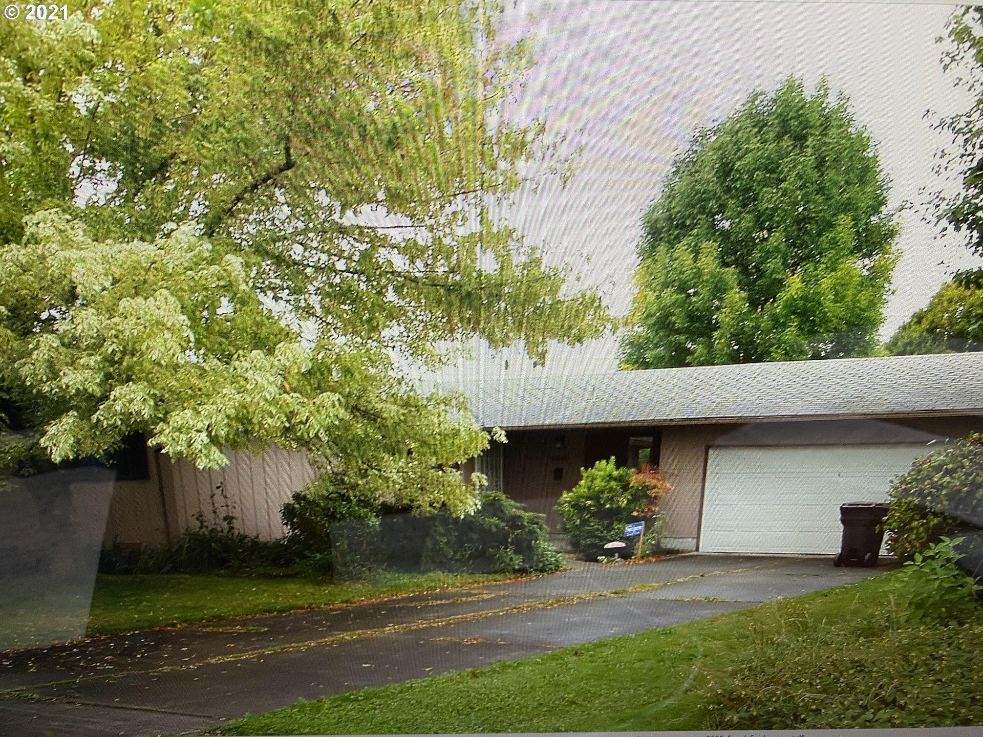 Photo for 1614 33RD AVE, Longview, WA 98632 (MLS # 21650203)
