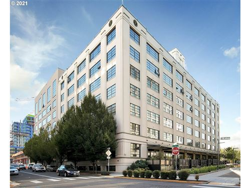Photo of 1400 NW IRVING ST #720, Portland, OR 97209 (MLS # 21507204)