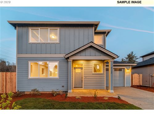 Photo of 5732 SE 134TH PL, Portland, OR 97236 (MLS # 19321205)