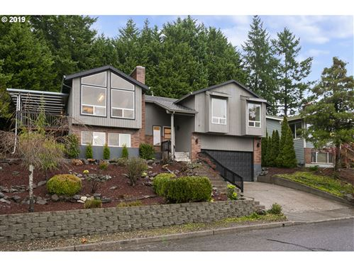 Photo of 9664 SE DUNDEE DR, Happy Valley, OR 97086 (MLS # 19531206)