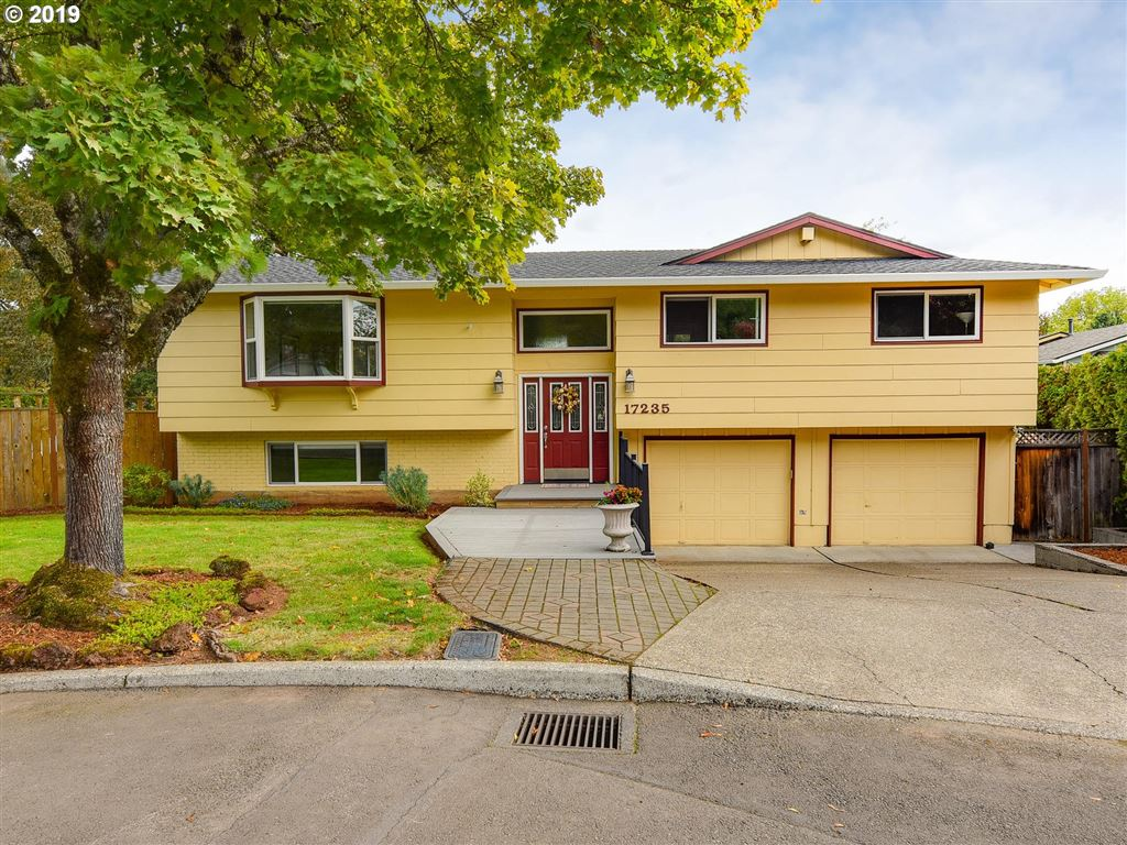 Photo for 17235 SE VALLEY VIEW RD, Milwaukie, OR 97267 (MLS # 19690206)